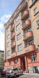 Nice fully furnished studio for rent with balcony, Prague 3 Vinohrady, Slezska str., Green line A Flora