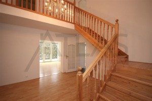 Wooden staircase - For Rent: 4-bedroom, 180 sqm house Prague 6 - Nebusice