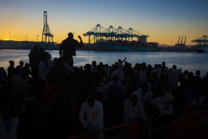 Co znamená když jsme povolili 800 migrantům vtrhnout násilím do Španělska?