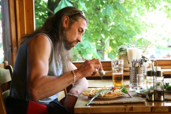 Host restaurace v Pražské Trojí z zoologické zahrady