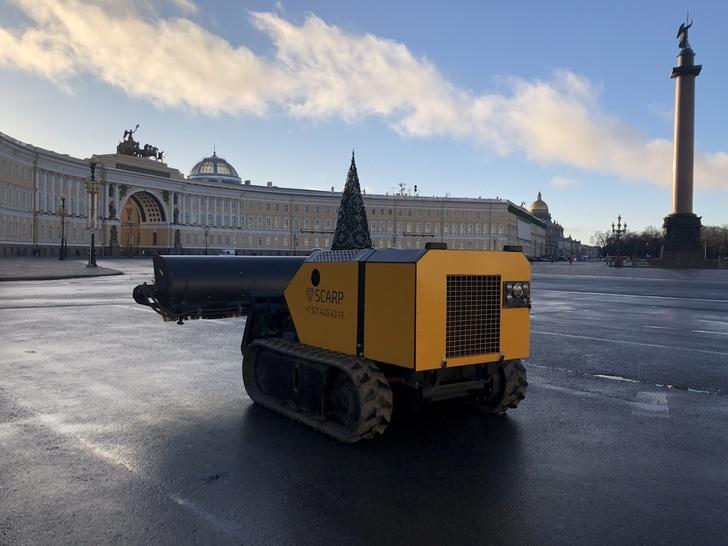 Multifunkční pásová vozidla SCARP dálkově ovládaná z Petrohradu