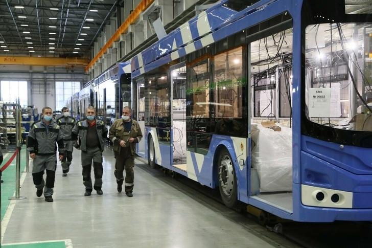 """V Petrohradě byla otevřena linka na výrobu nízkopodlažních trolejbusů """"Admiral"""" 1"""
