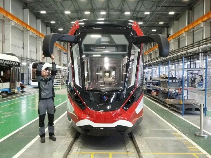 první ruské ultralehké tramvaje s hliníkovým tělem postavena na základě modelu Vityaz-M