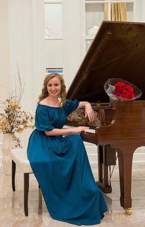 ruská pianistka Elmira Terkulova scientologie umělci