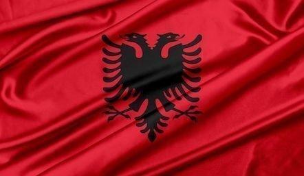 deklarace hotovosti při vstupu na území Albánské republiky